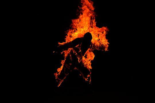 http://vnom89.staff.ub.ac.id/files/2012/02/terbakar.jpg